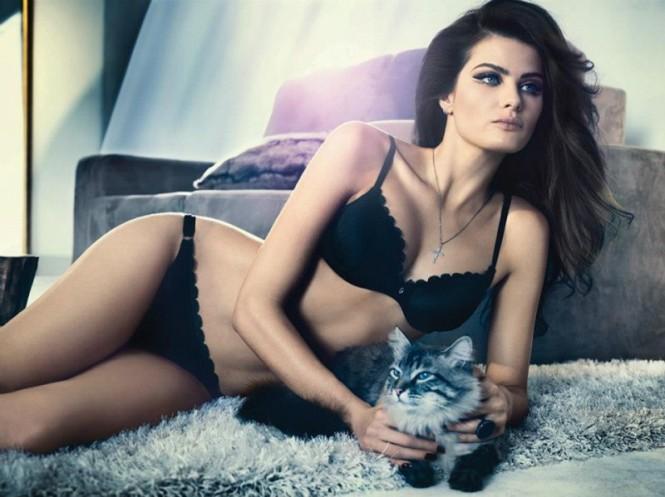 isabeli-fontana-lingerie-campaign14-800x599
