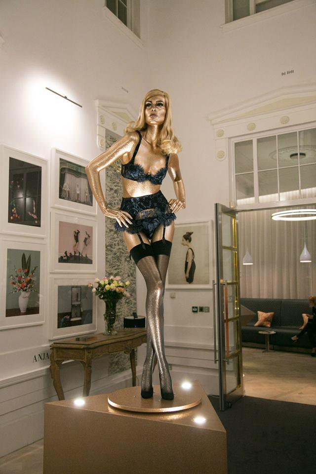 Agent Provocateur AW13 14 Lingerie Gold Dolls Vida de Pimenta (8)