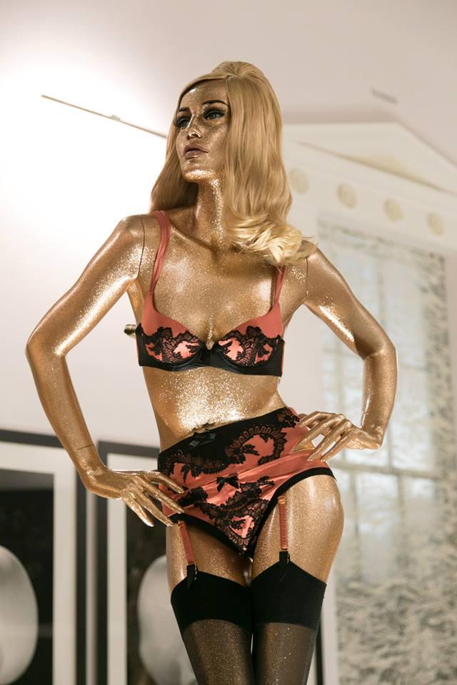 Agent Provocateur AW13 14 Lingerie Gold Dolls Vida de Pimenta (9)