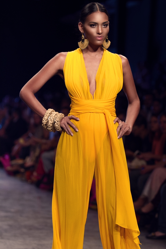 Bikiny Society Desfile Dragão Fashion Brasil 2015  (23)